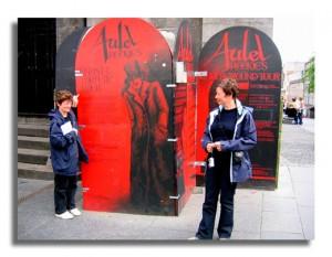Edinburgh Ghosts Tours - Janice & Mairiuna