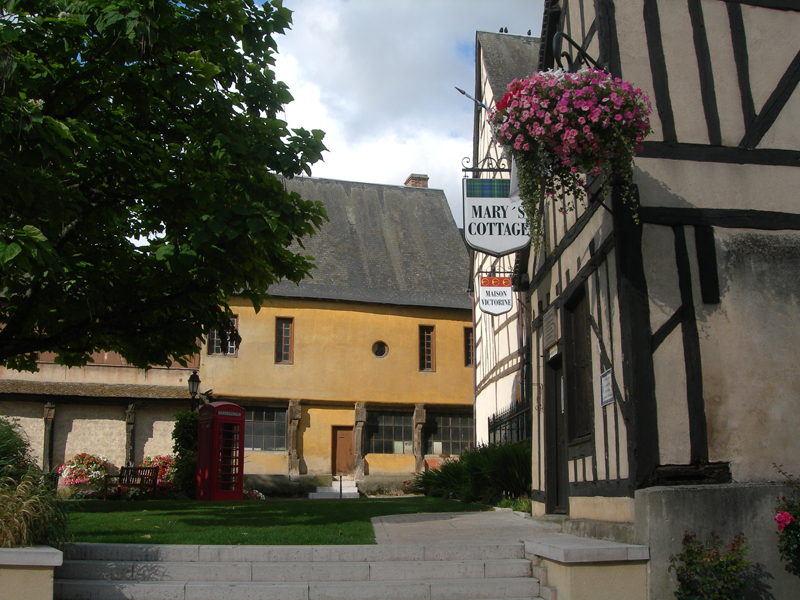 Aubigny-sur-Nre 'City of the Stuarts' rue des Dames Berry France
