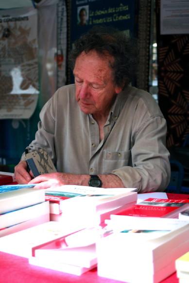 Kenneth White - Source : Librairie Les Cinq Continents - La Librairie des voyageurs - Signing of the book 'Les affinités extrêmes' Albin Michel