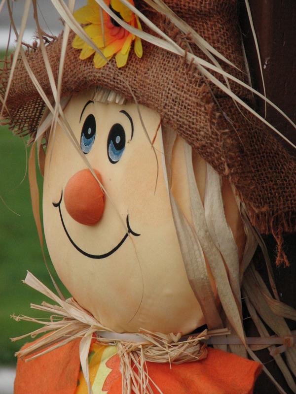 Halloween character Maison de la Chicoutai Rivière-au-Tonnerre Côte-Nord Quebec PC Scotiana 2010