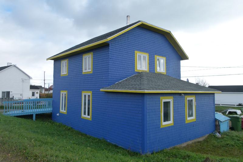 Blue house Havre-Saint-Pïerre Côte-Nord Quebec PQ Scotiana 2010