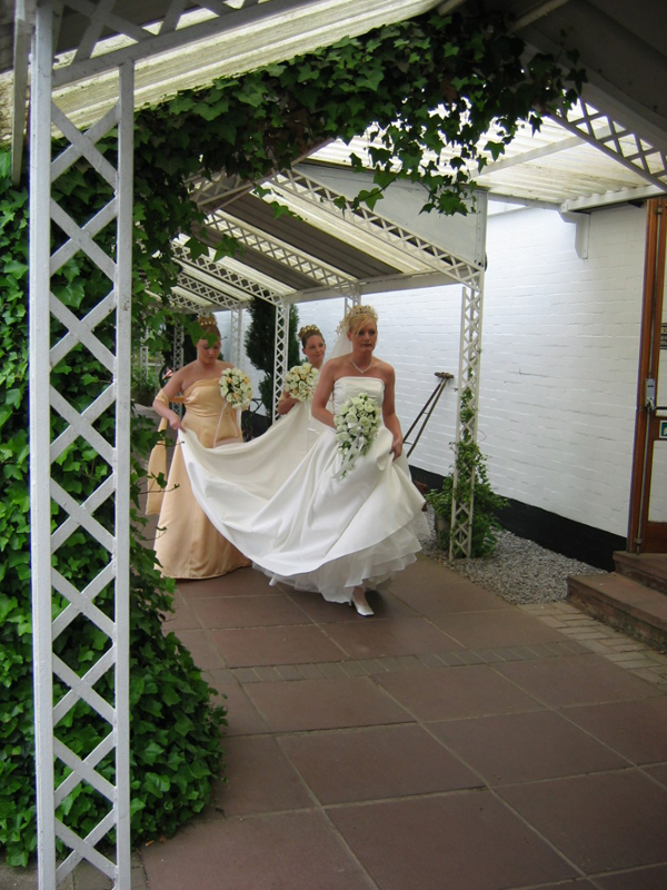 Scotland Gretna Green - Saturday 05 June 2004 - Arrival of a bride with her bridesmaidsScotiana 2004