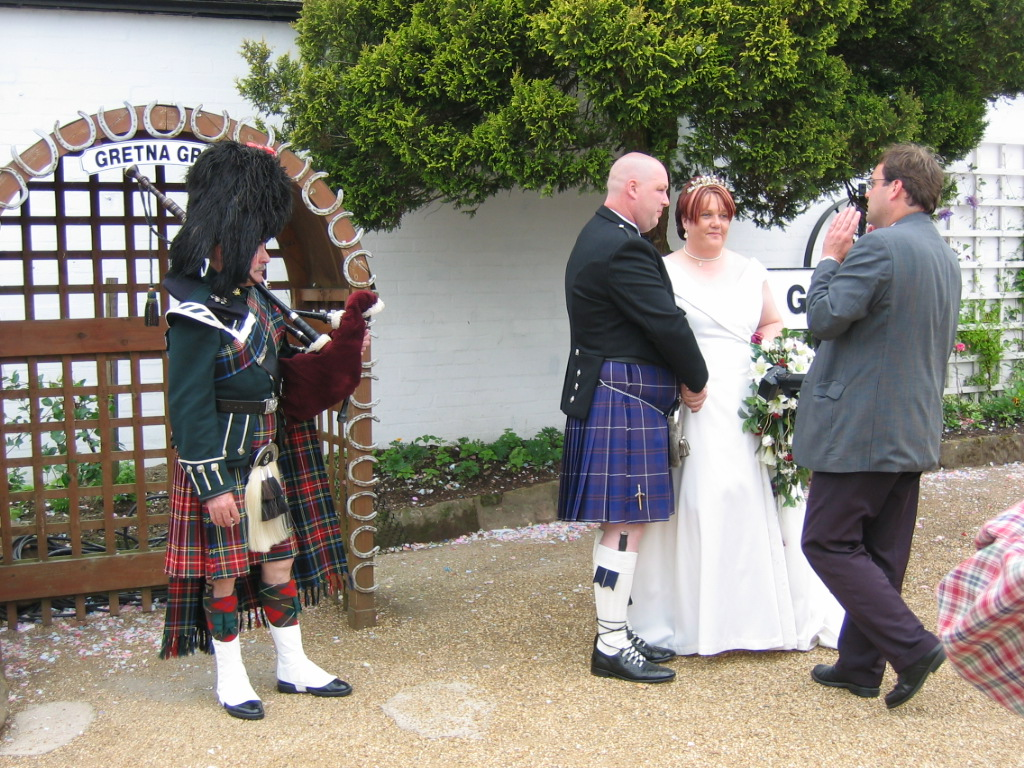 Scotland Dumfries & Galloway Gretna Green wedding bagpiper Scotiana 2004