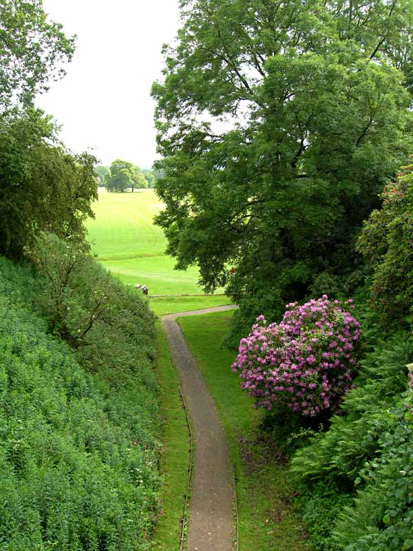 Hoddam Castle Golf path Dumfries and Galloway Scotland  © 2006 Scotiana