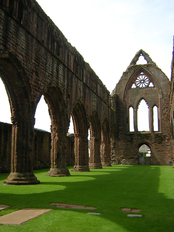 Sweetheart Abbey Dumfries & Galloway Scotland © 2004 Scotiana
