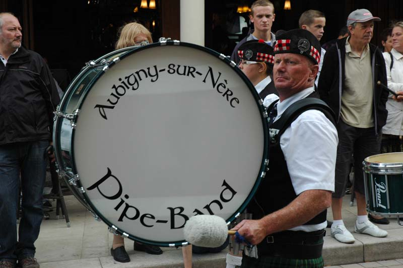 The pipe-band's drummer at the Scottish-French festivities in Aubigny-sur-Nère  © 2011 Scotiana
