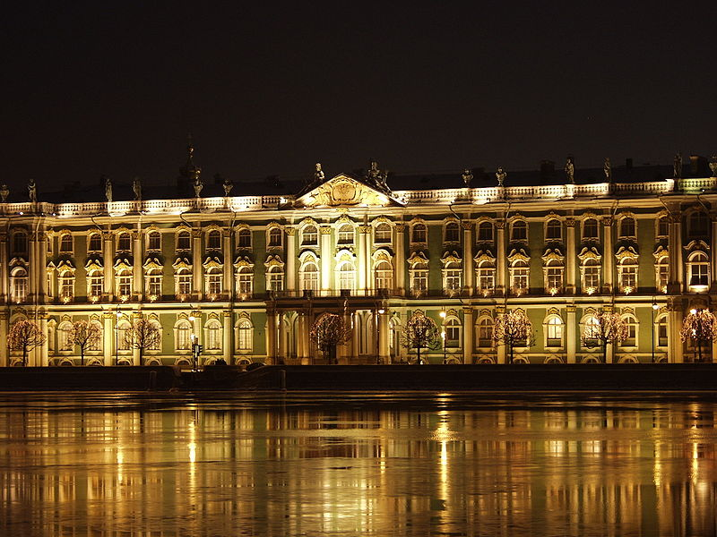 Leningrad Ermitage by night Source Wikipedia