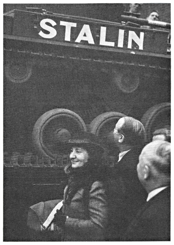 Madame Maisky christening a  Valentine tank Dear Allies Margaret Henderson Monklands District Libraries 1988