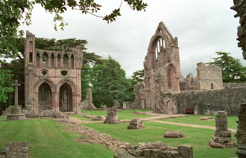 Scottish Borders Dryburgh Abbey  © 2001 Scotiana