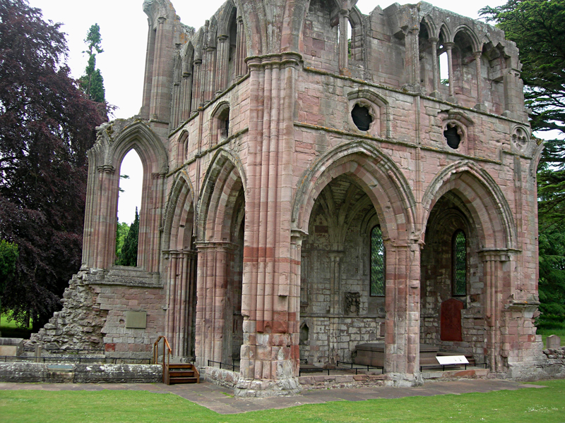 Scottish Borders Dryburgh Abbey Walter Scott's grave  © 2006 Scotiana