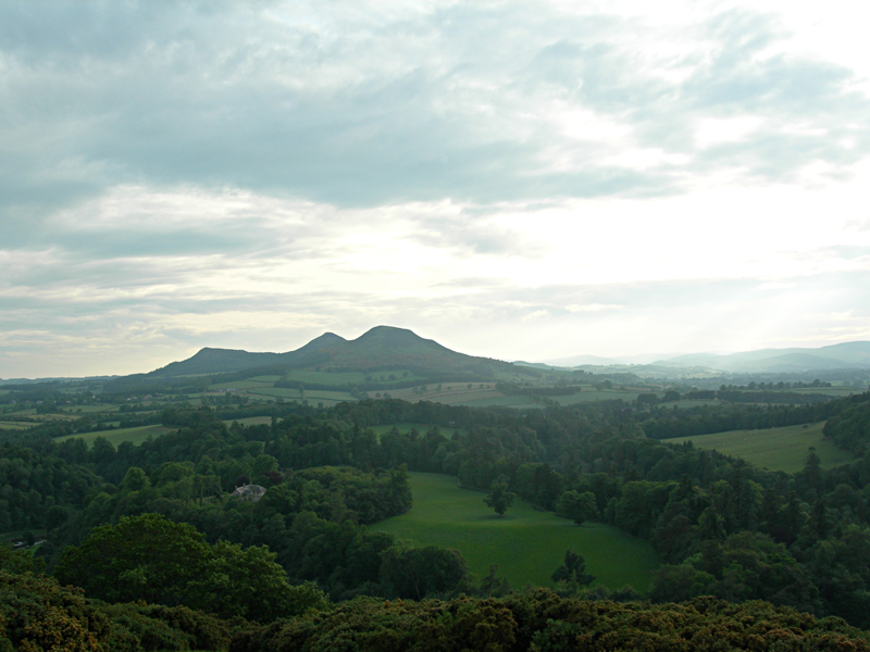 Scott's View Eildon Hills © 2006 Scotiana