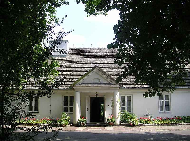 Frédéric Chopin's native place at Zelazowa Wola, Poland - Source: Wikipedia