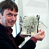 Ian Rankin and Edinburgh mystery sculpture Source Edinburgh City of Literature website