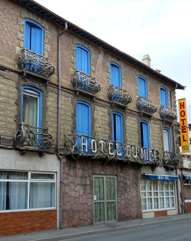 France Languedoc-Roussillon Pyrénées Orientales Ile-sur-Têt Hotel du midi © 2012 Scotiana