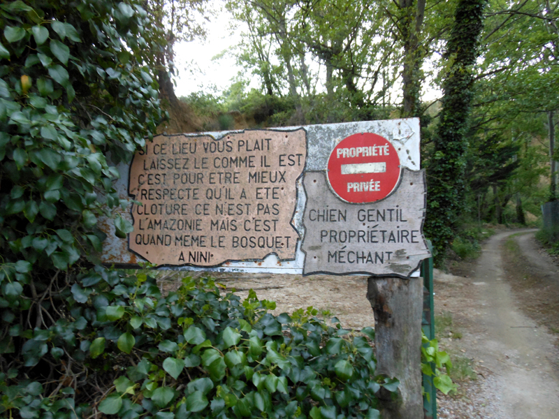 France Languedoc-Roussillon Pyrénées-Orientales Ille-sur-Têt Chemin des Orgues notice board © 2012 Scotiana