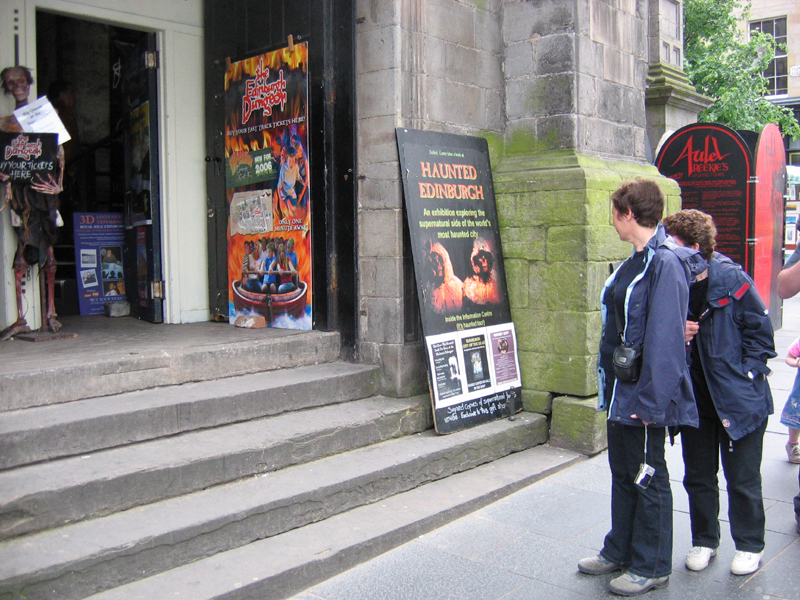 Edinburgh Ghost Tours advertising board © 2006 Scotiana