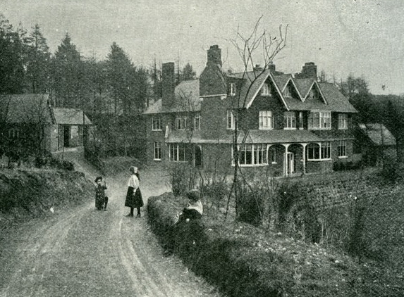 Undershaw Circa1900 Source Victorian Society on Wikimedia Commons