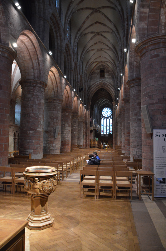 Orkney Kirkwall St Magnus cathedral the nave JC © 2012 Scotiana