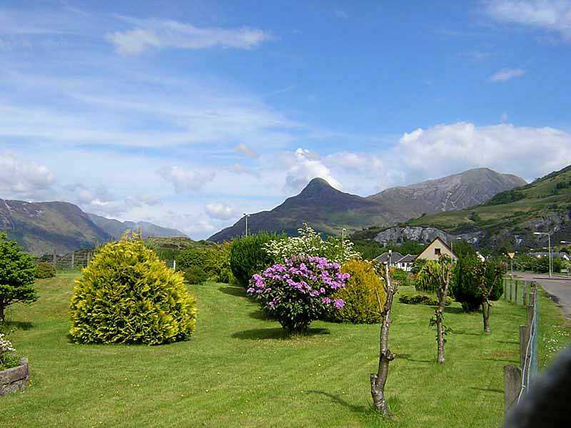 View of the Pap of Glencoe from Ballachulish © 2004 Scotiana