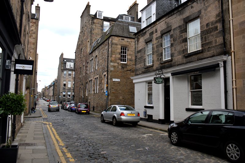 The Oxford Bar Young Street Edinburgh  © 2012 Scotiana