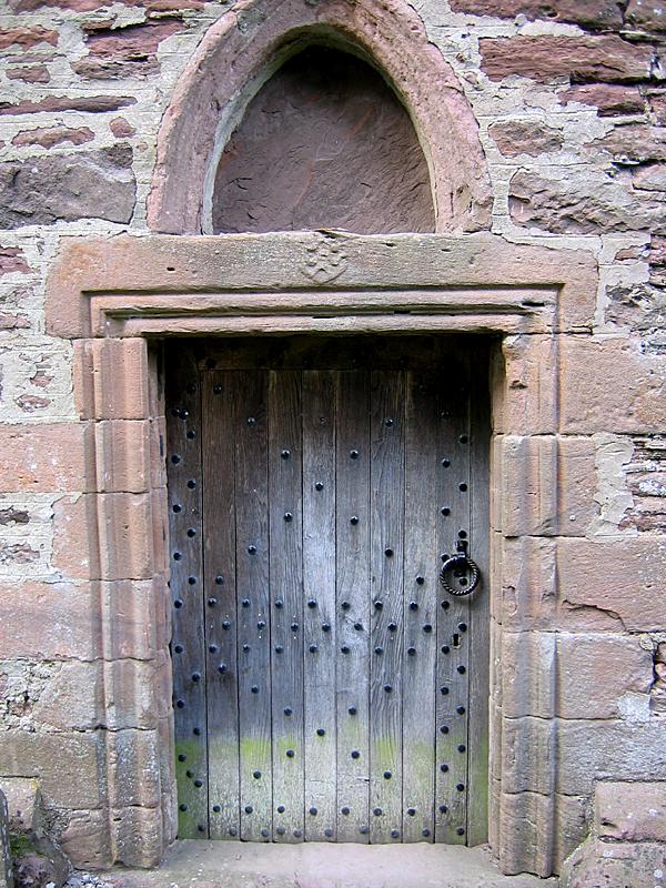 Innerpeffray door of the old collegiate chapel © 2007 Scotiana