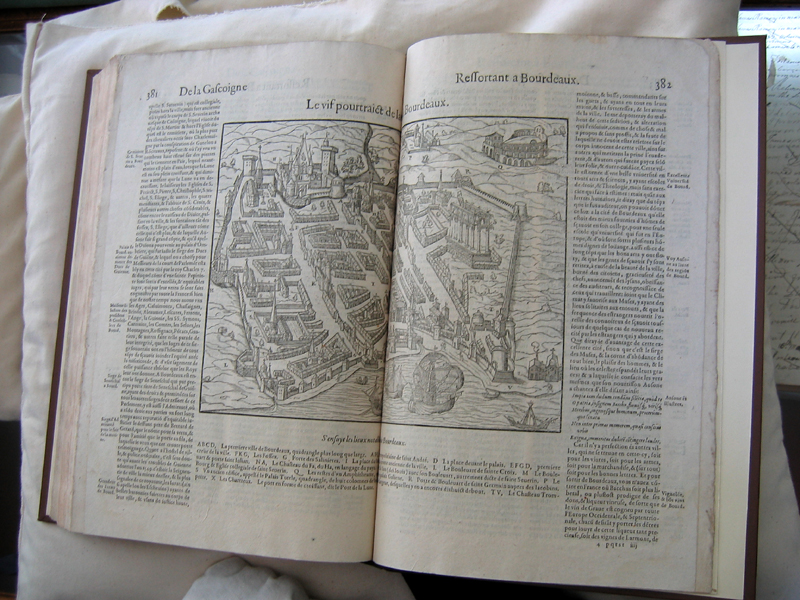 Innerpeffray library old book Bordeaux map © 2007 Scotiana