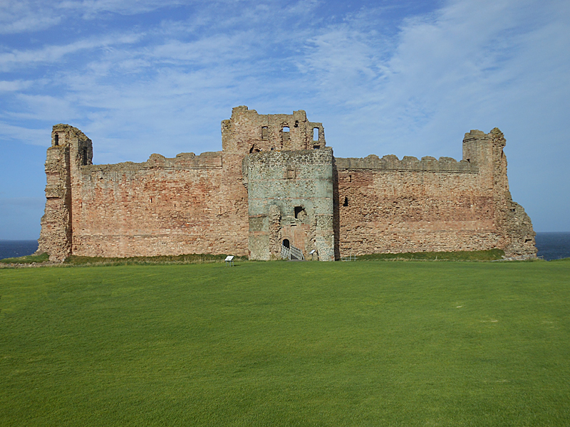 Tantallon Castle © 2012 Scotiana