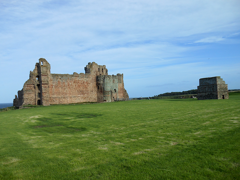 Tantallon Castle curtain wall and dovecot