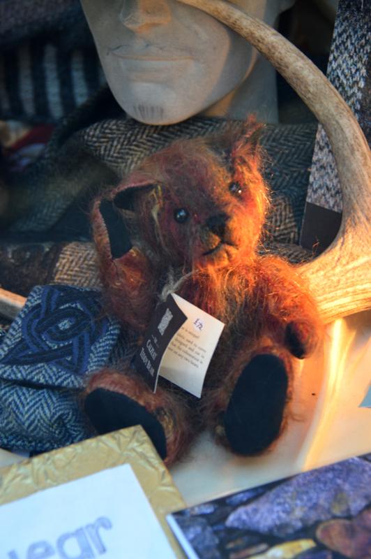 Edinburgh Crafts Celtic Knitwear Teddy Bear © 2012 Scotiana
