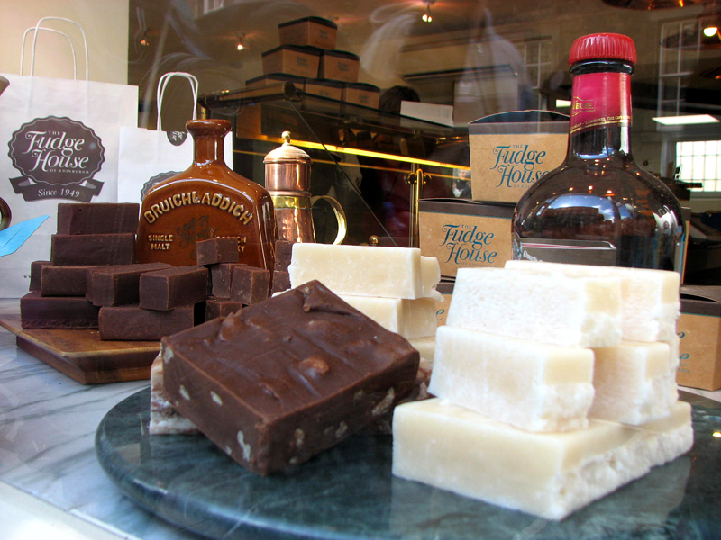 Fudge and whisky at The Fudge House Canongate © 2012 Scotiana