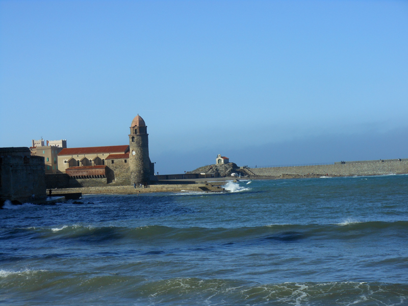 Collioure Bay - Notre Dame des Anges - St Vincent chapel © 2012 Scotiana