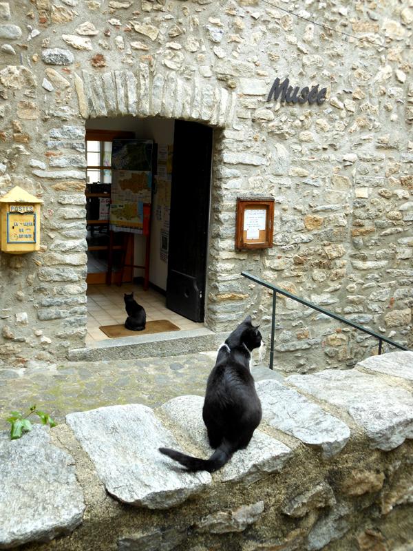 Palalda Musée Amélie-les-Bains The guardians © 2012 Scotiana