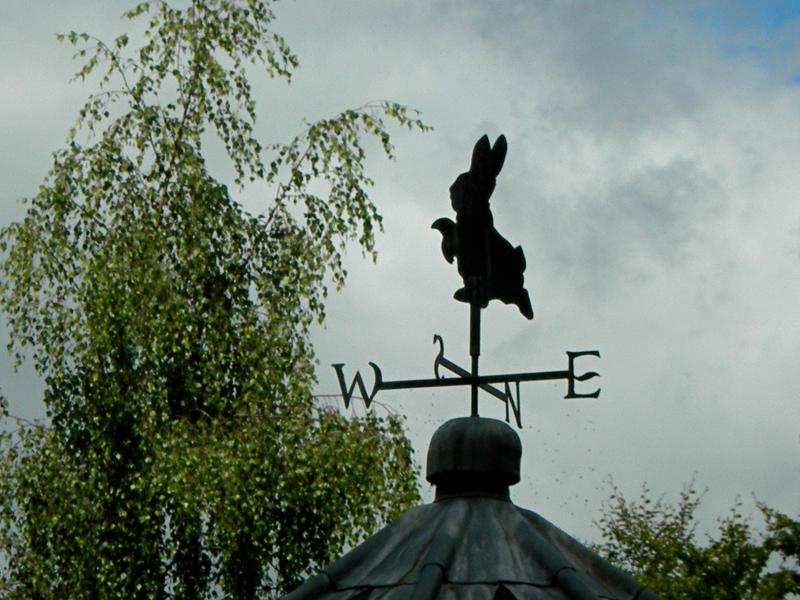 Beatrix Potter Garden in Dunkeld Peter Rabbit weather vane © 2007 Scotiana