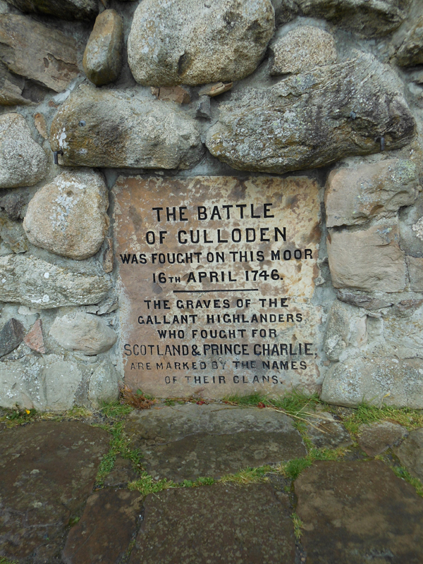 Battle of Culloden monument Scotland © 2012 Scotiana