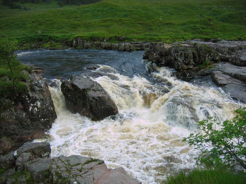 Glen Etive falls © 2007 Scotiana