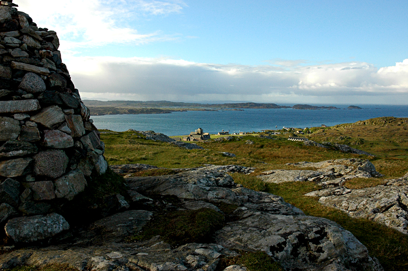 A view of the Isle of Iona taken from the Dun I © 2006 Scotiana