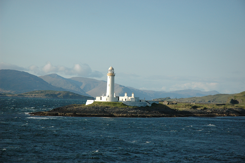 Photo of Lismore lighthouse taken from the Oban-Mull ferry © 2003 Scotiana