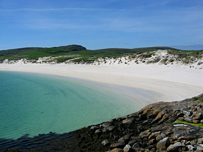 Vatersay beach in the Outer Hebrides © 2004 Scotiana