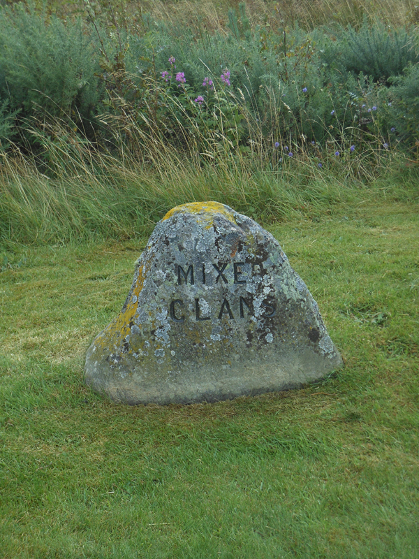 Culloden Mixed Clans stone © 2012 Scotiana