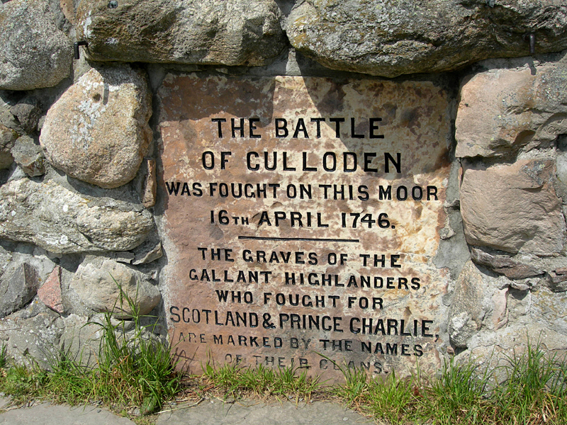 Culloden Moor memorial cairn plaque  © 2006 Scotiana