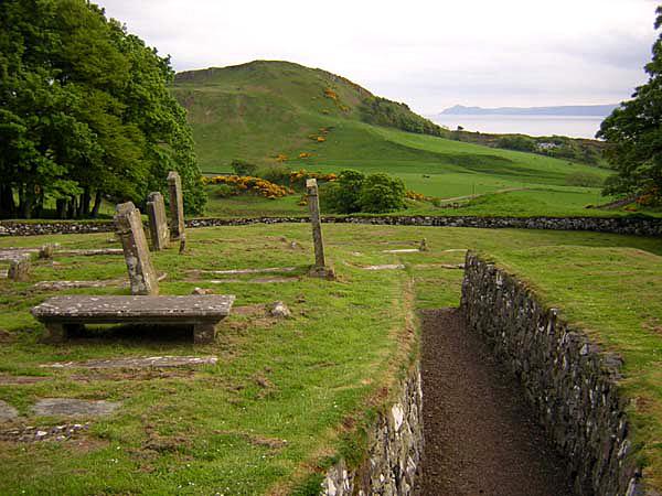 Bute St Blane ruins hilll© 2004 Scotiana