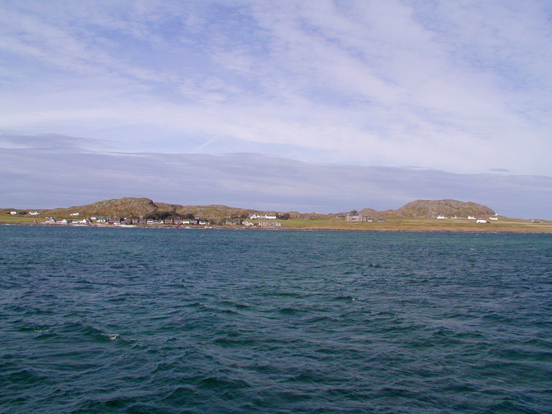 A general view of Iona from the ferry © 2003 Scotiana