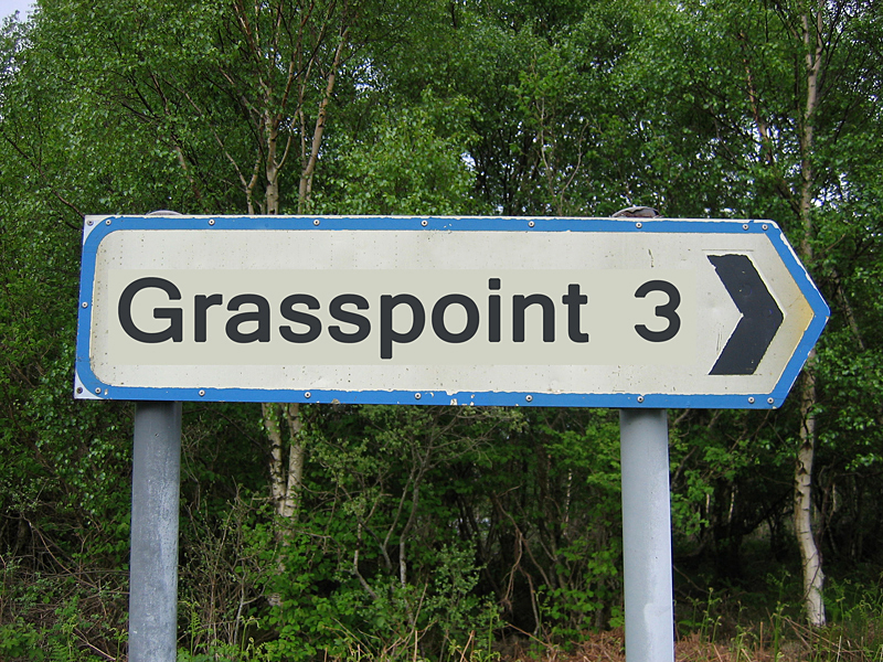 Grasspoint signpost in the south of Mull © 2004 Scotiana