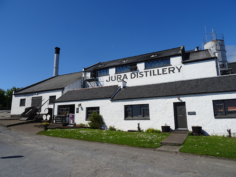 Jura distillery © 2015 Scotiana