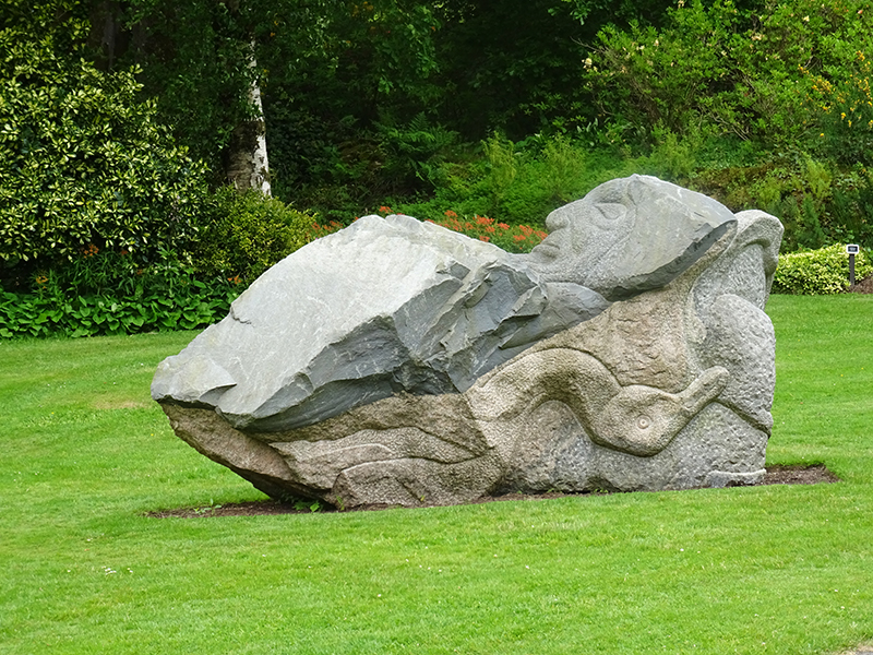 Threave Gardens - Ronald Rae - St Francis Sculpture © 2015 Scotiana