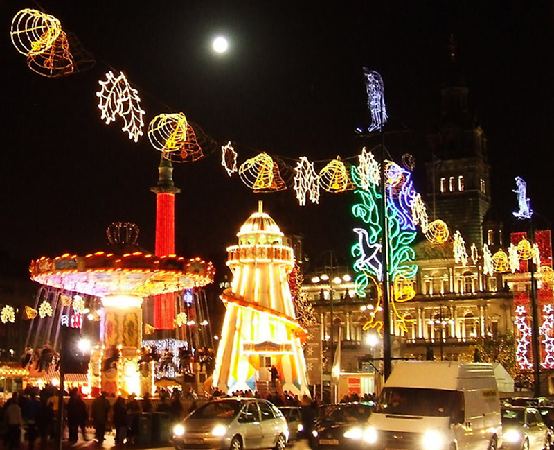 Christmas funfair in George Square Glasgow - Photo Thomas Nugent