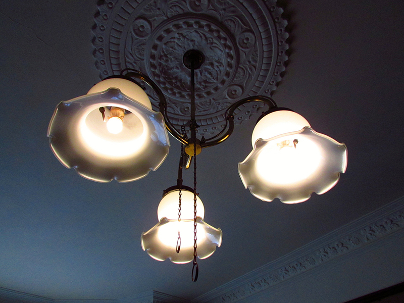 A chandelier in Miss Toward's Tenement House  © Glen Bowman  Flickr - Photo Sharing