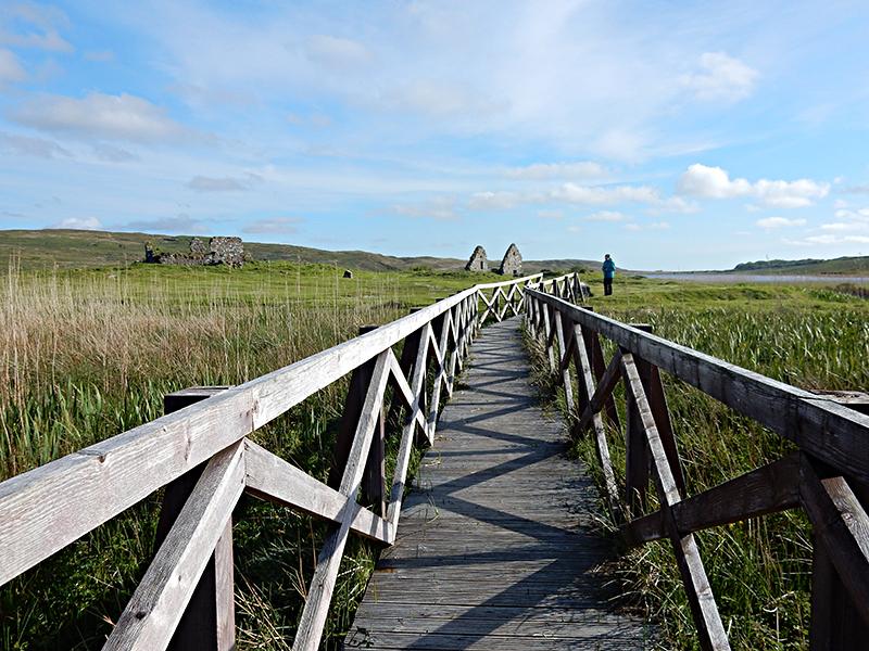 Islay Finlaggan wooden walkway © 2015 Scotiana