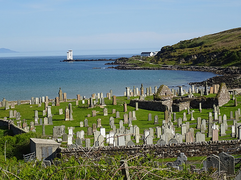 Islay Kilnaughton Bay chapel and churchyard © 2015 Scotiana