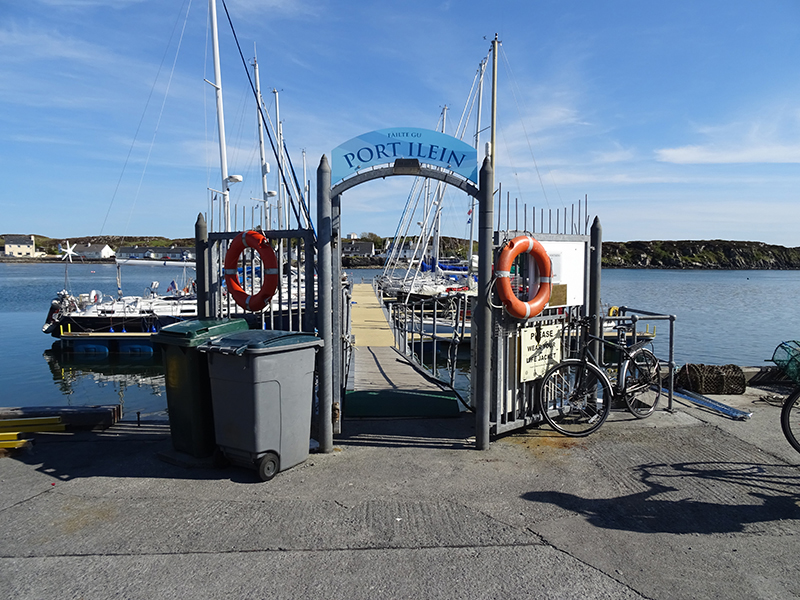 Islay Port Ellen marina © 2015 Scotiana